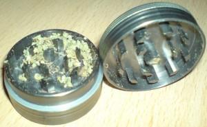 гриндер для марихуаны